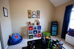 34 Fascinating Superhero Theme Bedroom Decor Ideas - Is your little boy crazy about superheroes? Then why not decorate their bedroom and turn into his favorite superhero. There are lots of ways that you . Bedroom Themes, Bedroom Decor, Bedroom Ideas, Nursery Ideas, Pinterest Inspiration, Teen Boy Bedding, Bedroom Tv Wall, Superhero Room, Superhero Letters