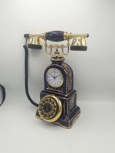 saatli limonj konak Vintage Phones, Vintage Telephone, Antique Phone, Retro Phone, Old Factory, Old Phone, Retro Futurism, Old And New, Bracelet Watch