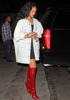 Trendy Ideas for style rihanna outfits beauty Rihanna Outfits, Rihanna Boots, Looks Rihanna, Rihanna Street Style, Rihanna Mode, Rihanna Fenty, Fashion Outfits, Womens Fashion, Rihanna Fashion