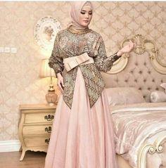 Batik Fashion, Abaya Fashion, Muslim Fashion, Fashion Dresses, Kebaya Hijab, Kebaya Dress, Eid Dresses, Evening Dresses, Dress Batik Kombinasi