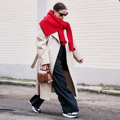 16 Complementary Colours Outfits That Always Look Chic Daily Fashion, 70s Fashion, Look Fashion, Street Fashion, Fashion Outfits, Womens Fashion, Fashion Trends, Dubai Fashion, Fashion Styles