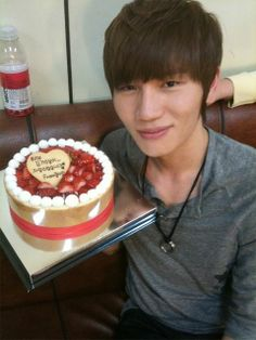 K. Will with fan gift
