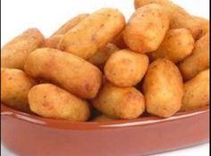 Receita de Croquete de milho verde - croquete.  Modo de fazer os croquetes:  Faça bolinhas com a massa, abra as bolinhas , coloque uma tirinha de queijo tip...