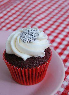 http://bakingthecupcakes.blogspot.com/