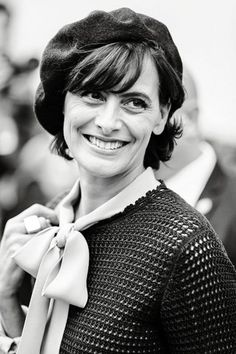 ines de la fressange Karl Otto, That Look, Take That, Bold Jewelry, Classic Style, My Style, Keith Richards, Fashion Books, Beret