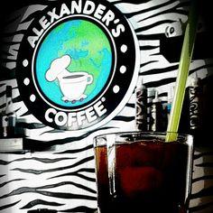 Sıcak güne buz gibi Iced Americano ile başla. :)  #icedamericano #alexanderscoffee #coffee
