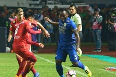 Circle 888  Hot News & Video: Diperkuat Essien dan Cole, Persib Bandung Hanya Se...