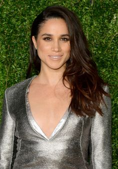 Meghan Markle might be having second thoughts about tying the knot. After winning the approval of Prince William and Kate Middleton, Camilla Parker Bowles allegedly warned the Suits star to stay away . Meghan Markle Sister, Meghan Markle News, Princess Meghan, Prince Harry And Meghan, Lady Diana, Kate Middleton, Long Hair Cuts, Long Hair Styles, Biracial Women