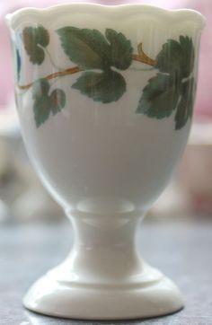 Maria Theresia Hutschenreuther Weinlaub Egg Cup Green Vine, Pocillovy Coquetiers
