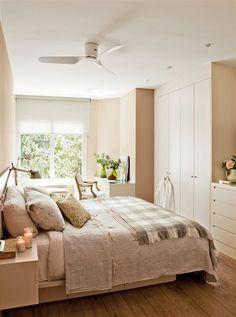 Dormitorio con armario, cómoda y escritorio a medida