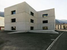 Valerio Olgiati . National Park Centre . Zernez (1)