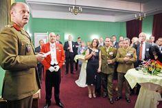 Brigadier Ian Bell ist an seinem Standort in Bielefeld empfangen worden +++  Britische Streikräfte haben neuen Befehlshaber