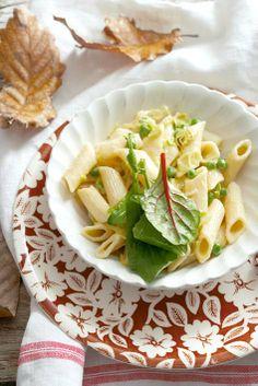 Vegetarian: Asparagus and pea pasta Easy Healthy Recipes, Veggie Recipes, Pasta Recipes, Vegetarian Recipes, Easy Meals, Easy Snacks, Kos, Veggie Dishes, Veggie Food