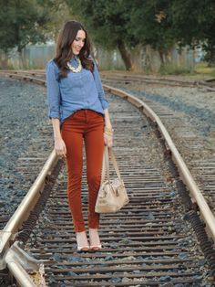 chambray + rust. Hate the front tuck but need things to wear with my rust jesns.