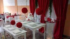 Aprenda a fazer uma decoração de casamento vermelho Embora seja muito comum encontrar casamentos com decorações brancas ou em tons mais serenos, muitos casais querem inovar e para isso escolher tons que não são muito utilizados, mas que possuem potencial de gerar uma linda decoração. O vermelho é um desses tons, mas ele requer cuidado …