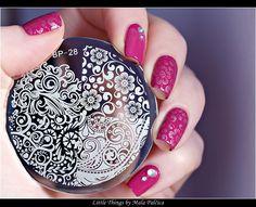 konad nail plate