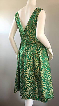 1950s 50s Vintage Blauner for Bonwit Teller Green + Gold ' New Look ' Silk Dress image 8