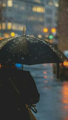 me in the rain Rainy Mood, Rainy Night, Rain Photography, Street Photography, Cover Wattpad, Rain Wallpapers, Smell Of Rain, I Love Rain, Cherbourg
