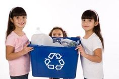 """One of the best methods of spreading the """"go green"""" message is to find ways to go green for kids and teachers. Kids spend a lot of time in school, and when . Learning Spaces, Go Green, Elementary Schools, Purpose, Recycling, To Go, Classroom, Mom, Tips"""