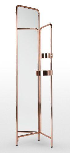 Notez les nuances rosées qui se reflètent dans le miroir. Irrésistibles, n'est-ce pas ? Pile-poil dans la tendance, le cuivre se marie à tant de couleurs qu'il sublimera forcément votre intérieur.