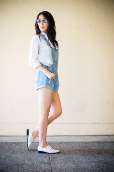 Cool & casual look for spring/summer! #overalls #denim #oxford
