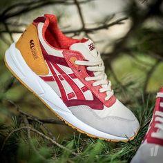 asics gel saga w *autumn brights* (off white / red)