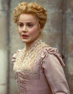 Australian actress Abbie Cornish as Bess Throckmorton in 'Elizabeth, the Golden Age' (2007).