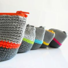 Crochet pouch (tutorial in French) Would you like us to translate it? :)
