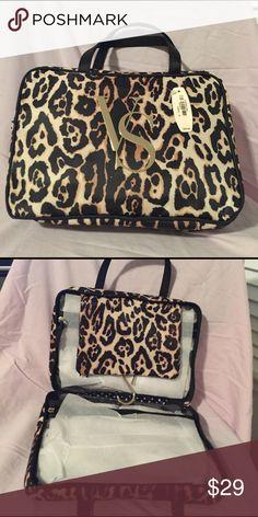 New Victorias Secret Leopard makeup cosmetic case No trades.🌺 Victoria's Secret Bags Cosmetic Bags & Cases