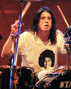 Dave Grohl MTV Live and Loud (1993) #Nirvana