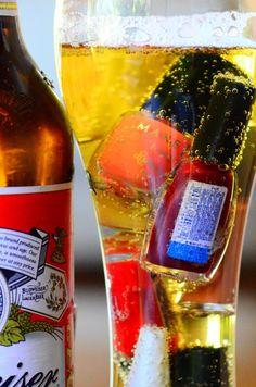 Esmaltes e Drinks    http://baudalola.wordpress.com/2011/10/01/esmalte-drinks-sucos-e-afins/