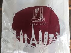 Lit Cube always picks great themes. I am really enjoying the passport themes of the Lit Cube boxes and was especially interested in this box since I love Subscription Boxes, Passport, Addiction, London, Birthday, Books, Birthdays, Libros, Book
