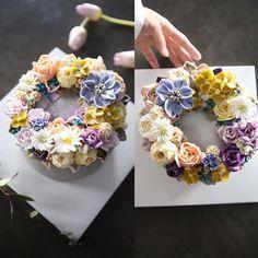 ㅡ 이색감을 어떻게... ㅡ A course student work ㅡ  #compositebouquet #flower #cake #flowercake #partycake #birthday #weddingcake #cupcake #buttercreamcake #buttercream #designcake #soocake #플라워케익 #수케이크 #꽃스타그램 #플라워컵케익 #버터크림플라워케이크 #베이킹클래스 #플라워케익클래스 #웨딩케이크 #생일케익 #수케이크 #장미 #ケーキ #花 #蛋糕 #花蛋糕  www.soocake.com vkscl_energy@naver.com