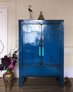 Royal Blue Chinese Wedding Cabinet. Shanxi c.1920 #restoredfurniture #weddingcabinet #chinesefurniture #interiordesign #interiors #furniture #furnitureshopping #nookdeco
