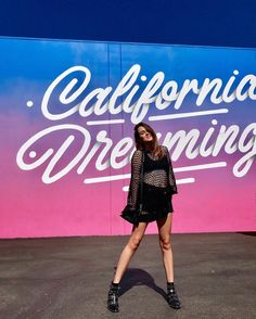 2,308 отметок «Нравится», 17 комментариев — It's a living (@itsaliving) в Instagram: «Awesome picture by: @stylescrapbook at the California Dreaming mural for @chineselaundry #LA»