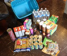 72 Hour Emergency Food Kit. One example for a small family and one example for a large family! Cheap and effective!