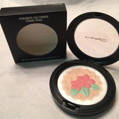 "M.A.C""BakingBeauties""PearlmattePdr(IN FOR A TREAT) ✨BRAND NEW, NEVER USED!!✨ AUTHENTIC!! SHADE: ""IN FOR A TREAT"" (Champagne base with matte coral flower and mint leaves) If you've never used the Pearlmatte formula, it's a highlighter&blush with rich texture&velvet finish.If used with a very light hand&the right brush,it could be used all-over–just not as a finishing powder.It has good color payoff,&the outer white is an overspray,but the leaves&flower petal colors go all the way through the…"