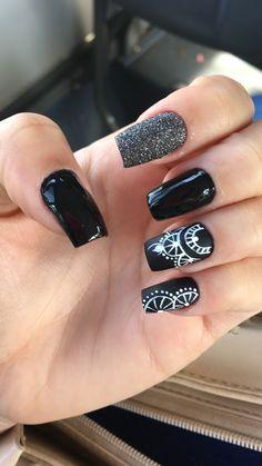 Preto básico, fosco e com glitter 💅🏻 Black Nail Designs, Cute Nail Designs, Acrylic Nail Designs, Beautiful Nail Art, Gorgeous Nails, Trendy Nails, Cute Nails, Bright Nail Art, Foil Nail Art