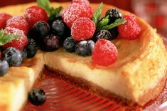Baked cheesecake with fresh berries