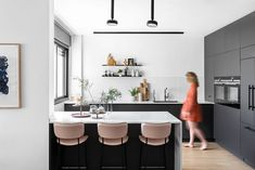 〚 Black and white apartment with warm accents in Tel Aviv (110 sqm) 〛 ◾ Photos ◾ Ideas ◾ Design #black #white #modern #kitchen #interior #design #homedecor #home #decor #interiordesign #idea #inspiration #cozy #living #space #style