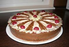 Kakaós torta meggyes mascarponekrémmel Tiramisu, Cake, Ethnic Recipes, Food, Cake Ideas, Dessert Ideas, Food Food, Kuchen, Essen