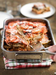 Lasagne de pain aux aubergines et à la tomate