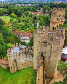 Warwick Castle, Castle Ruins, Beautiful Castles, Fortification, Egypt, Chateaus, Cathedrals, Places, Pictures