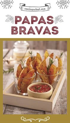 Papas bravas There is no better to accompany your main dishes this Christmas than some delicious pot My Recipes, Gourmet Recipes, Sweet Recipes, Vegan Recipes, Favorite Recipes, Papas Bravas Recipe, Food Print, Food And Drink, Veggies