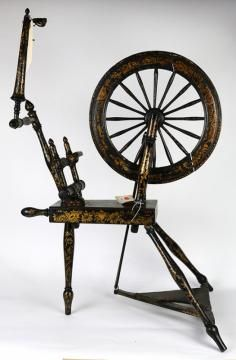 English spinning wheel, late 18th/early 19th century, having a turned frame with foliate gilt decoration on an ebonized ground, 34 - Price Estimate: $500 - $700
