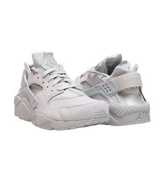 NIKE Low top sneaker Lace up closure Padded tongue with HUARACHE logo Cushioned inner sole for comfo. Nike Low Tops, Nike Air Huarache, Huaraches, Nike Men, Footwear, Lace Up, Sneakers Nike, Grey, Shoes