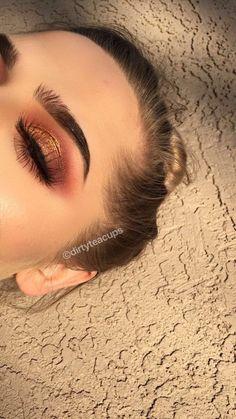Gorgeous Makeup: Tips and Tricks With Eye Makeup and Eyeshadow – Makeup Design Ideas Makeup Eye Looks, Cute Makeup, Gorgeous Makeup, Pretty Makeup, Skin Makeup, Eyeshadow Makeup, Eyeshadows, Gold Eye Makeup, Drugstore Makeup
