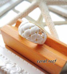 ぷっくりかわいいマトラッセをリングに🎵 Handmade Accessories, Jewelry Stores, Apple Watch, Diy And Crafts, Swarovski, Clay, Deco, Beads, Crystals