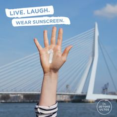 Dr. Jetske Ultee | Uncover Skincare | Live Laugh Wear Sunscreen - Number one anti-aging cream #quote #sun #sunscreen #protection #lifestyle #spring #summer #antiaging