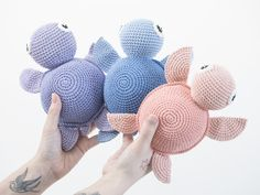 DIY free crochet turtle pattern by Søstrene Grene Crochet Diy, Diy Crochet Patterns, Crochet Amigurumi, Baby Knitting Patterns, Crochet Crafts, Crochet Ideas, Crocheted Toys, Amigurumi Tutorial, Easy Knitting Projects